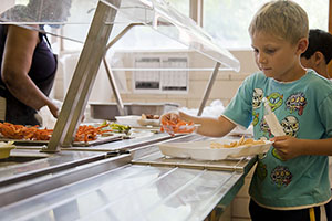 photo: Evaluating a Free Meal Program for U.S. Schools