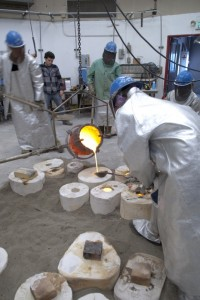 Foundry pour, 2012; photo by Doug Manelski