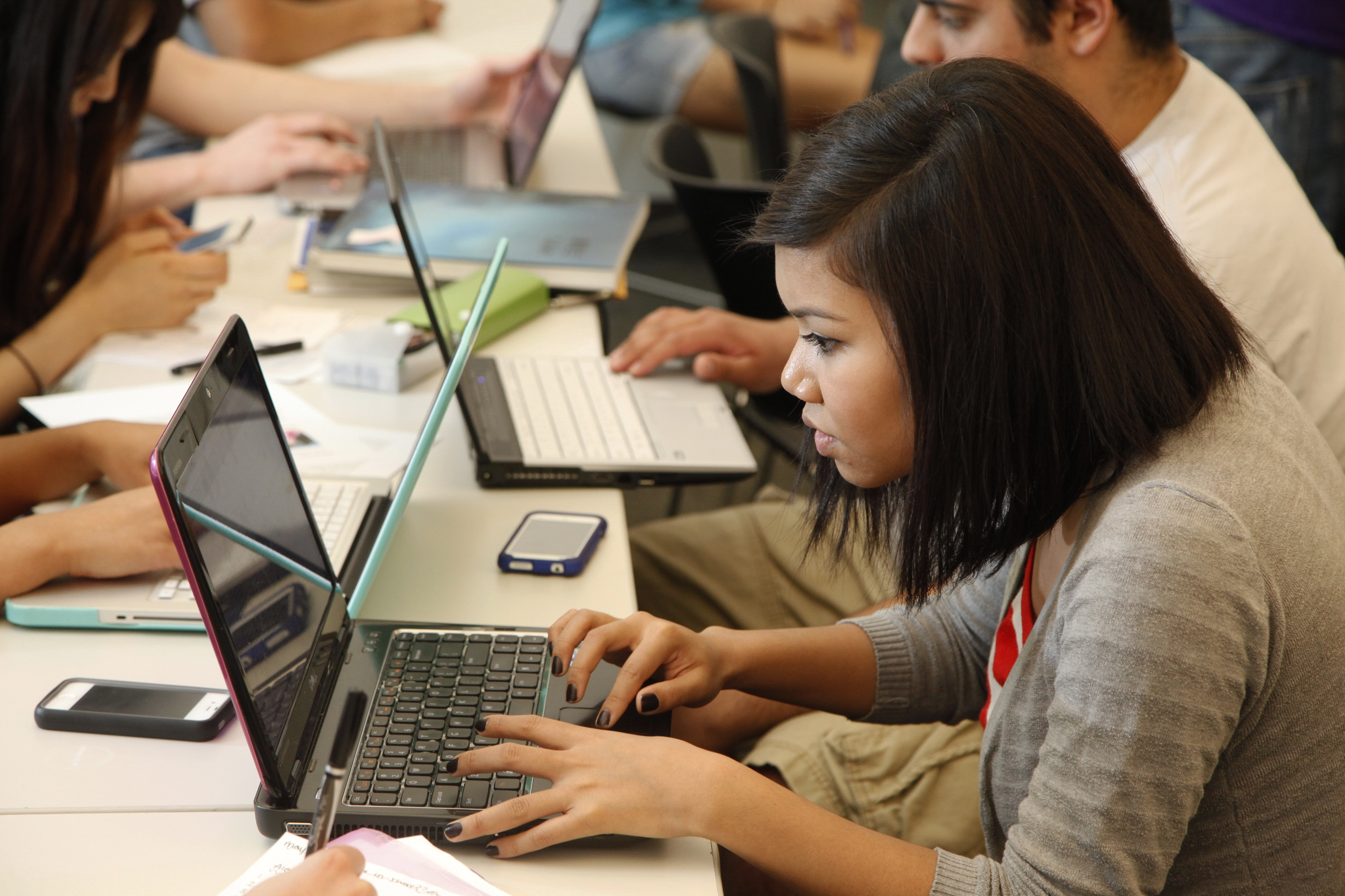 students internet Communication and collaboration are particularly exciting for students using the internet students can set up keypals (email pen pals) to.